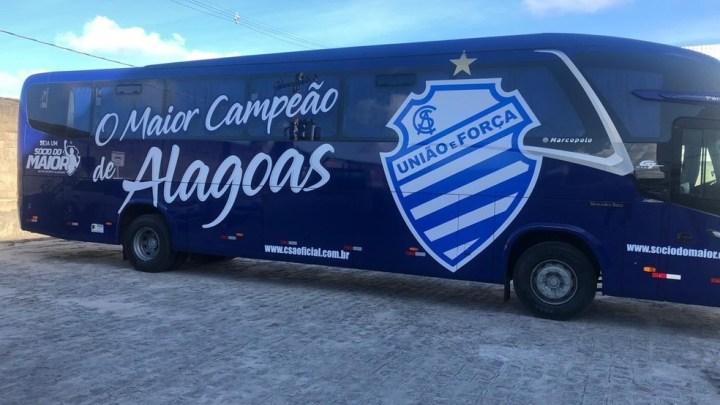 Centro Sportivo Alagoano apresenta seu novo ônibus