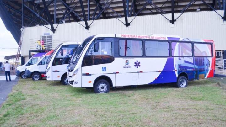 AM: Prefeitura de Parintins recebe dois ônibus para fortalecer ações de saúde
