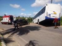 Acidente entre carro e ônibus deixa um ferido na Região Metropolitana de Natal