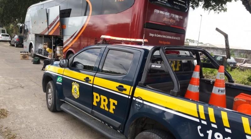 BA: Agentes da PRF apreendem mercadorias contrabandeada em ônibus na BR-101