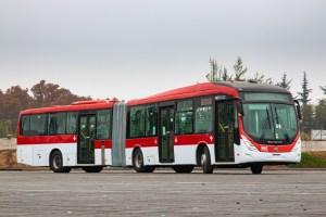 Volvo vende 200 ônibus articulados para operador de transporte de Santiago