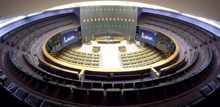 DF: Câmara segue hoje com votação de alterações no Código de Trânsito