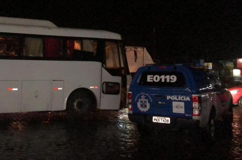 BA: Polícia apreende ônibus com cerca de 200 kg de entorpecentes na BR-116
