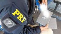 Vídeo: PRF apreende 2 quilos de entorpecentes com passageiro de ônibus no oeste do Paraná
