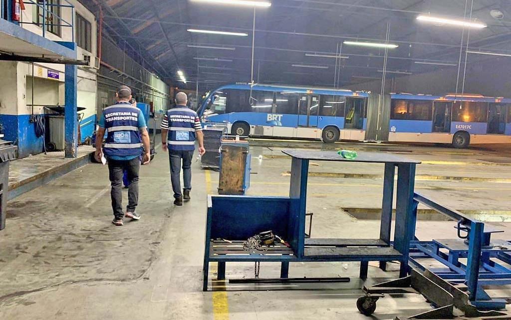 Rio: Prefeitura realiza fiscalização em garagens de ônibus para verificar número real de coletivos do BRT