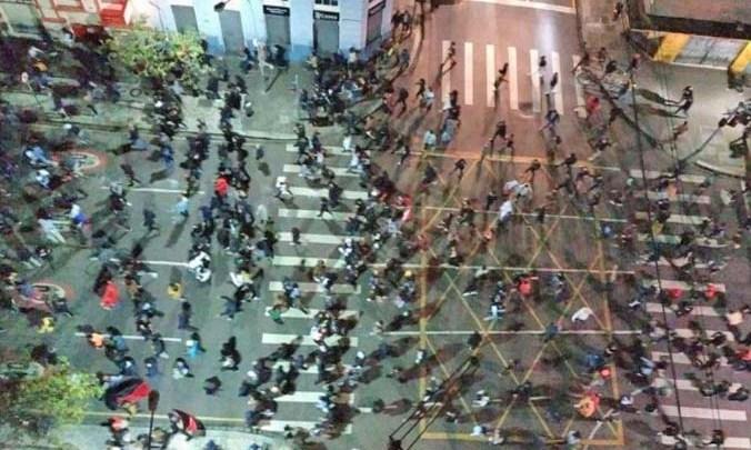 Ao Vivo: Manifestação em Curitiba deixa rastro de destruição inclusive no transporte