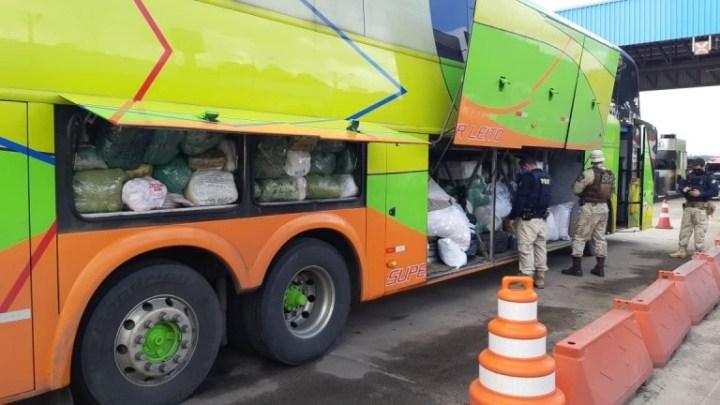 PRF apreende toneladas de confecções oriundas do estado do Ceará na BR-324