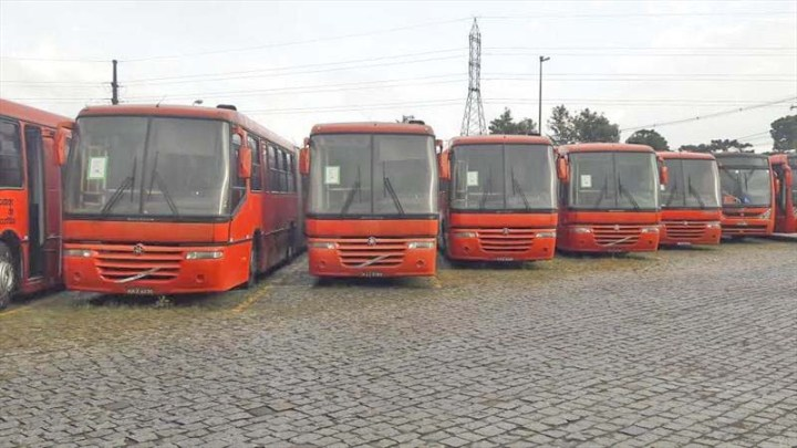Curitiba: Urbs promove leilão de sucata de ônibus no dia 31