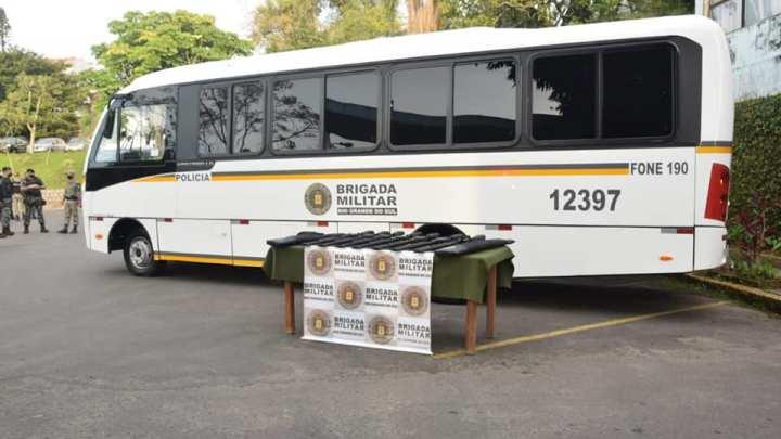 RS: Brigada Militar recebe 7 novos micro-ônibus Mascarello