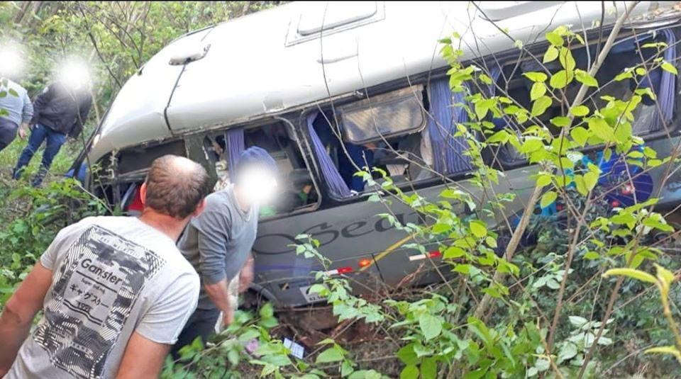 SC: Acidente com micro-ônibus deixa cinco feridos em Seara nesta sexta-feira