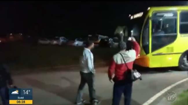Piracicaba: Ex-funcionários da Via Ágil realizaram protesto por pagamento de rescisão