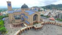 Aparecida: Santuário Nacional retoma missa com número reduzido de fiéis. Ônibus de turismo seguem impedidos de entrar na cidade