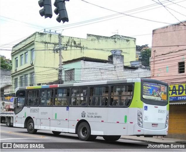 Tiroteio fecha ruas e suspende linhas de ônibus na Zona Norte do Rio