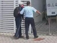 Vídeo: Ajuda de motorista a um deficiente visual em São Vicente, viraliza na internet