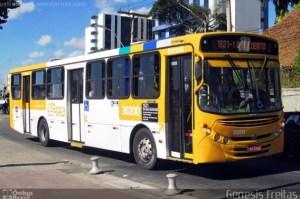 Vídeo: Homem acaba detido, após sequestrar ônibus em Salvador