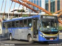 Vídeo: Ônibus, carros e pedestres ficam no meio de tiroteio em Quintino na Zona Norte do Rio