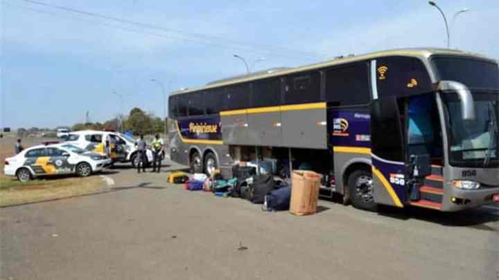 SP: Polícia Rodoviária apreende passageiro de ônibus com 15 tabletes de entorpecentes