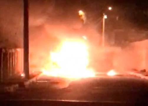 Ônibus é incendiado em Vespasiano na Grande Belo Horizonte