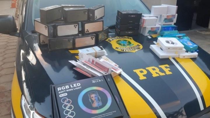 Vídeo: PRF apreende passageiro de ônibus com produtos contrabandeados na BR-135