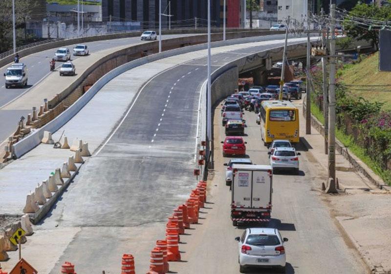 Salvador: Avenida ACM segue com alteração do tráfego nesta quinta-feira
