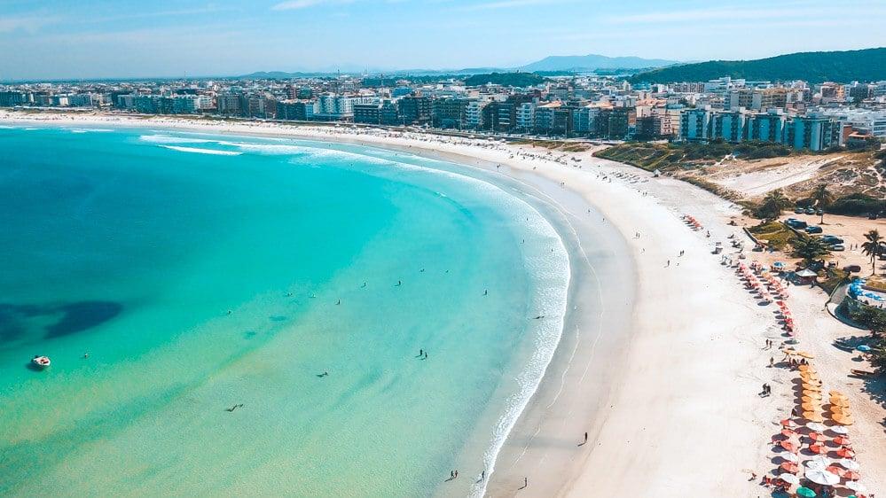 RJ: Cabo Frio libera banho de mar e entrada de vans e ônibus de turismo neste feriado