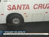 Mogi Guaçu: Ônibus da Santa Cruz afunda em asfalto no Jardim Itacolomi