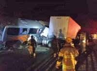 MG: Acidente entre caminhões e ônibus na BR-251 deixa 45 feridos em Francisco Sá