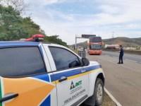Roseira: ANTT e CCR Nova Dutra realizam blitz educativa para a utilização do cinto de segurança em ônibus