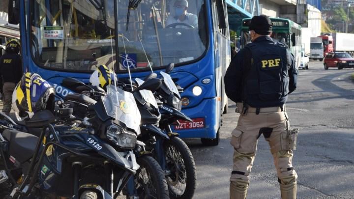Vídeo: PRF e PMBA intensificam fiscalização de combate a assalto a ônibus na Região Metropolitana de Salvador