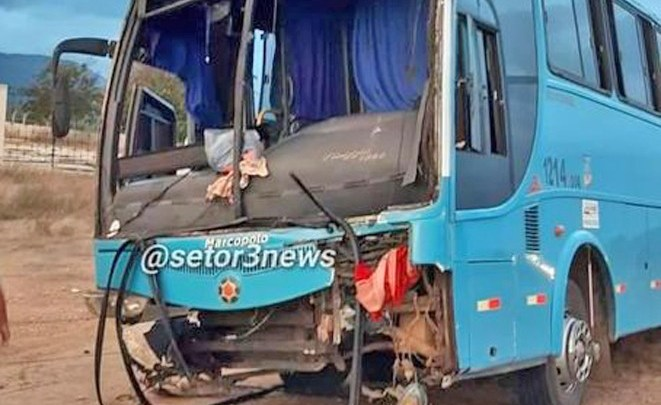 CE: Ônibus fretado por romeiros sofre acidente em Forquilha neste domingo