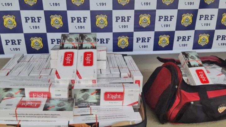 Vídeo: PRF flagra passageiro de ônibus transportando 19.000 cigarros contrabandeados