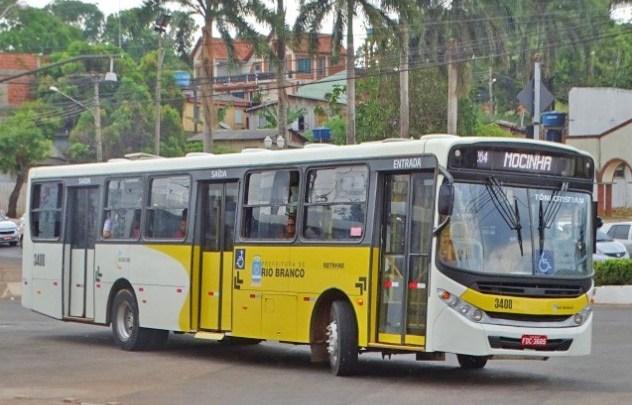 Rio Branco segue com 90 ônibus circulando neste domingo de eleição