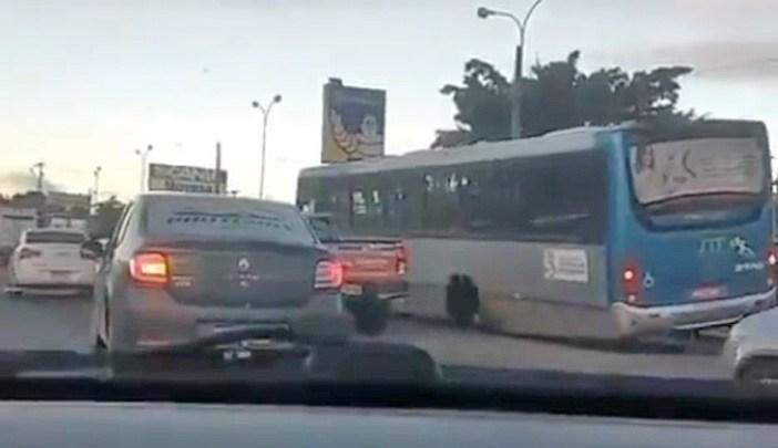 Vídeo: Ônibus da Atlântico Transportes perde a roda em Vitória da Conquista