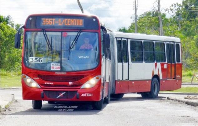 Passageiros são feridos com faca durante assalto a ônibus em Manaus