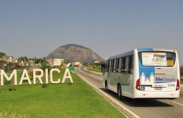 RJ: Prefeitura de Maricá fiscaliza ônibus e vans de turismo em Ponta Negra