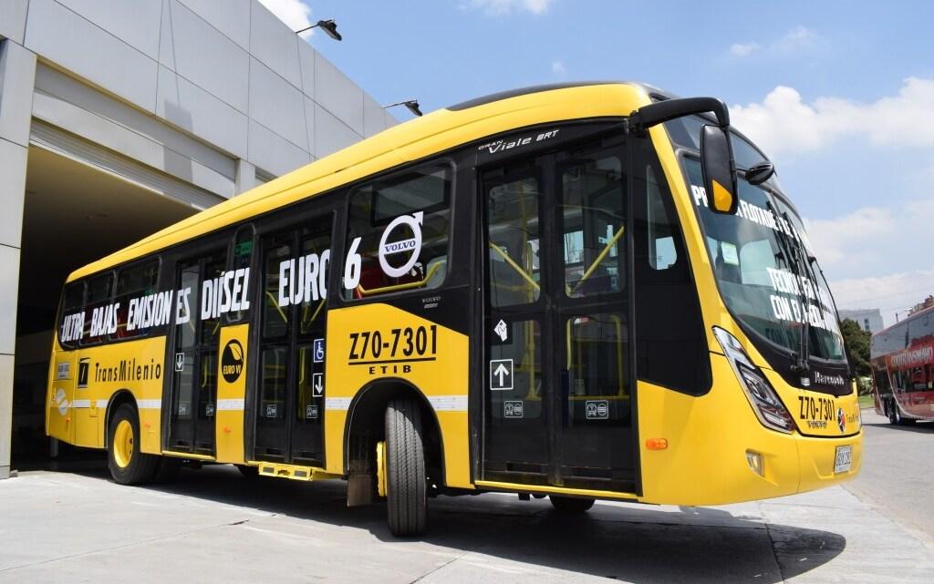 Volvo fecha venda de mais 321 ônibus para os operadores do Transmilenio
