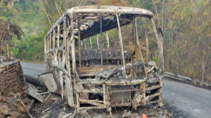 CE: Ônibus pega fogo na Serra de Baturité neste fim de semana