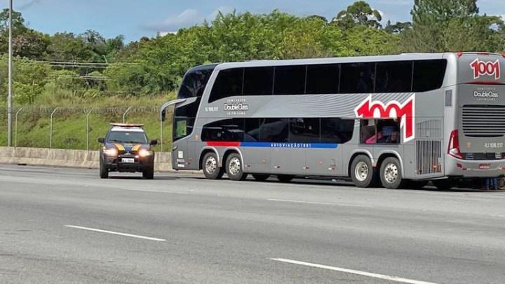 SP: PRF captura foragido da justiça em ônibus na Rodovia Régis Bittencourt