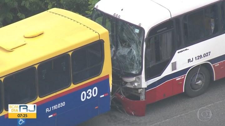 Rio: Acidente entre dois ônibus, deixa 9 feridos na Linha Vermelha nesta manhã