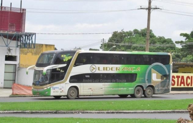 TO: Acidente entre carro e ônibus da Liderança Turismo deixa um morto na BR-153 em Barrolândia