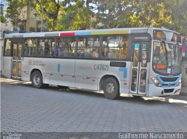 Vídeo: Acidente com ônibus da Viação Redentor deixa trânsito lento em Jacarepaguá no Rio de Janeiro