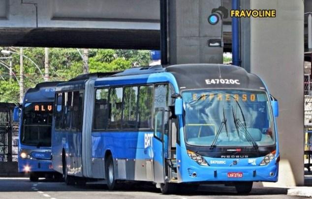 BRT Rio segue com ônibus lotados e aglomerações em filas longas nesta quarta-feira, antes do Natal