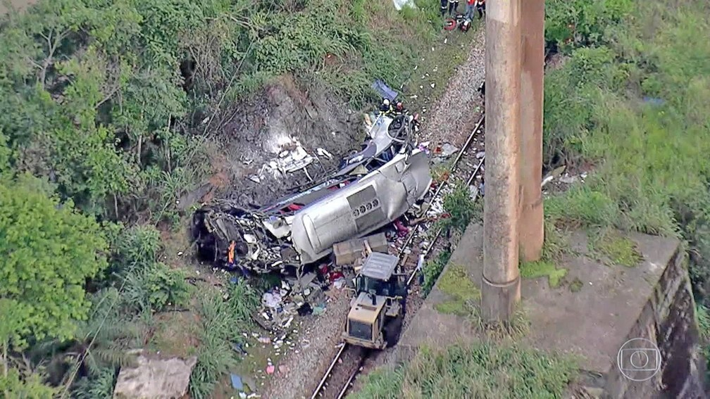 MG: Chega a 19 o número de mortos com o acidente do ônibus da Localima Turismo em João Monlevade