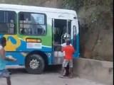 Vídeo: Acidente com ônibus no Terminal de Itacibá deixa 13 feridos em Cariacica/ES neste domingo