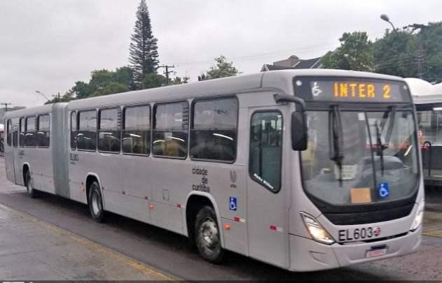 Curitiba: Passageiro é preso após agredir motorista de ônibus que não quis parar fora da estação-tubo