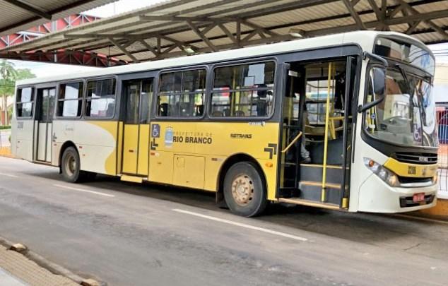 Marginais realizam arrastão em ônibus de Rio Branco na noite desta quinta-feira 21