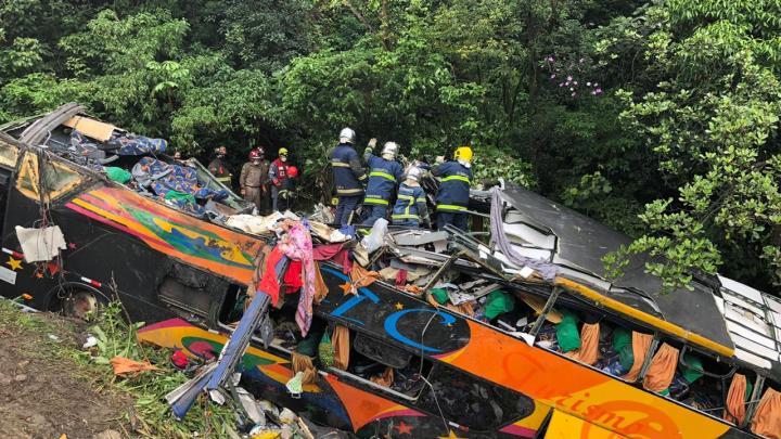 PR: Confira a lista de mortos do acidente com ônibus da TC Turismo na BR-376 em Guaratuba
