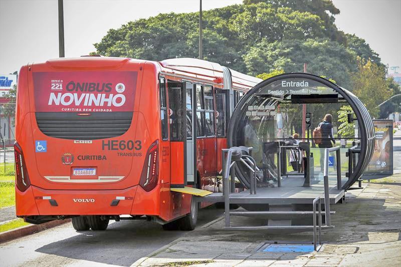 Curitiba: Volta às aulas terá reforço em linhas de ônibus e transporte escolar com 50% de ocupação