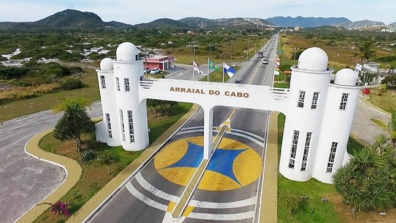 RJ: Arraial do Cabo restringe entrada de ônibus e vans de turismo
