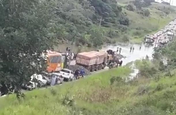 Vídeo: Rodovia BR-364 acaba fechada na região de Sena Madureira no Acre devido alagamento